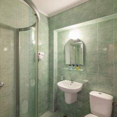 Отель Zeus Болгария, Поморие - отзывы, цены и фото номеров - забронировать отель Zeus онлайн ванная