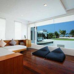Отель La Flora Resort Patong комната для гостей фото 8