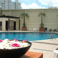 Narai Hotel бассейн фото 3