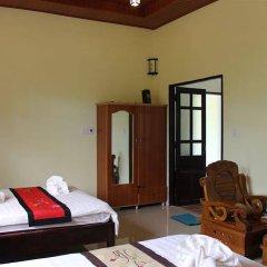 Отель Cam Chau Homestay сейф в номере