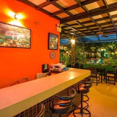 Отель Phuket Garden Home гостиничный бар