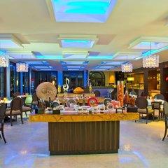 Отель The Leela Palace Bangalore питание фото 2