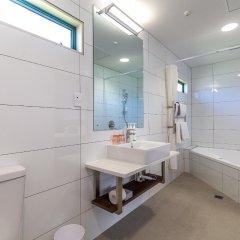 Hamilton Airport Hotel & Conference Centre ванная