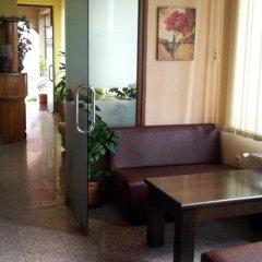 Отель Sveti Georgi Hotel Болгария, Сандански - отзывы, цены и фото номеров - забронировать отель Sveti Georgi Hotel онлайн интерьер отеля фото 3