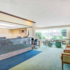 Отель Days Inn Arlington США, Арлингтон - отзывы, цены и фото номеров - забронировать отель Days Inn Arlington онлайн бассейн фото 2