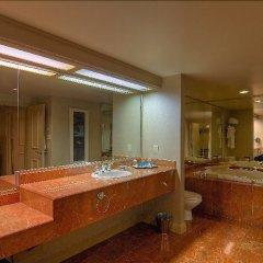 Отель Treasure Island Hotel & Casino США, Лас-Вегас - отзывы, цены и фото номеров - забронировать отель Treasure Island Hotel & Casino онлайн ванная