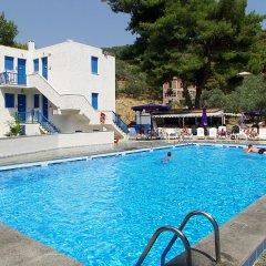 Отель Cascade Holiday Resort Греция, Метана - отзывы, цены и фото номеров - забронировать отель Cascade Holiday Resort онлайн бассейн