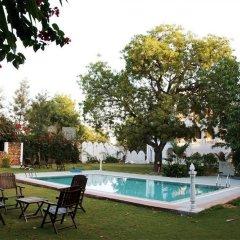 Отель WelcomHeritage Sirsi Haveli бассейн фото 2