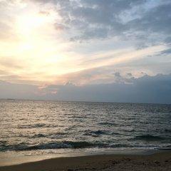 Отель D Varee Jomtien Beach Таиланд, Паттайя - 5 отзывов об отеле, цены и фото номеров - забронировать отель D Varee Jomtien Beach онлайн пляж