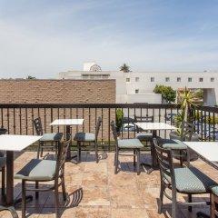 Отель Ramada by Wyndham Culver City балкон