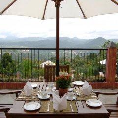 Отель Amaya Hills балкон