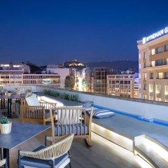 Отель Wyndham Grand Athens бассейн фото 2