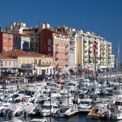 Отель Nice Booking - Domes - Piscine Terrasse городской автобус