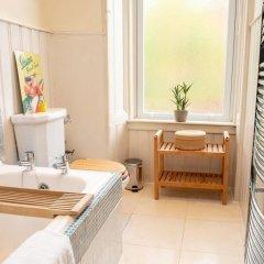 Отель Charming 2-bedroom apt in the Heart of West End Глазго ванная фото 2