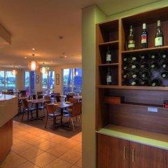 Отель Tropixx Motel & Restaurant гостиничный бар