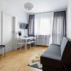 Апартаменты Grand Theater Comfortable Apartment Варшава комната для гостей фото 3