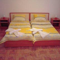 Отель NELLY Guest House Равда в номере