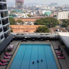 Отель Mowu Suites @ Bukit Bintang Fahrenheit 88 Малайзия, Куала-Лумпур - отзывы, цены и фото номеров - забронировать отель Mowu Suites @ Bukit Bintang Fahrenheit 88 онлайн бассейн фото 3