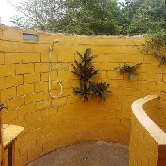 Отель Stumble Inn Eco Lodge Гана, Шама - отзывы, цены и фото номеров - забронировать отель Stumble Inn Eco Lodge онлайн ванная фото 3
