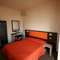 Hotel Belvedere Spiaggia Римини сейф в номере