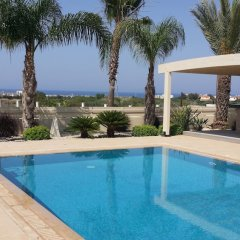 Отель Noufaro Luxury Villa бассейн фото 3