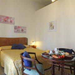 Отель Youth Firenze 2000 в номере фото 2