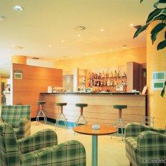 Hotel City Express Santander Parayas бассейн