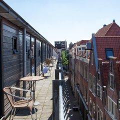 Отель St. Christopher's at The Winston Нидерланды, Амстердам - 1 отзыв об отеле, цены и фото номеров - забронировать отель St. Christopher's at The Winston онлайн балкон