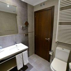 Отель Apartamentos Turisticos LLanes Испания, Льянес - отзывы, цены и фото номеров - забронировать отель Apartamentos Turisticos LLanes онлайн ванная фото 2