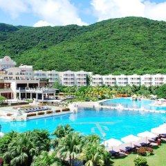 Отель Cactus Resort Sanya бассейн