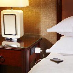 Отель Sheraton Centre Toronto Hotel Канада, Торонто - отзывы, цены и фото номеров - забронировать отель Sheraton Centre Toronto Hotel онлайн удобства в номере фото 2