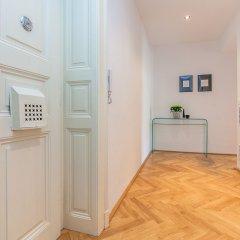 Отель Wishlist Old Prague Residences сейф в номере