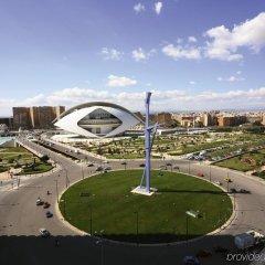 Отель Barceló Valencia Испания, Валенсия - 1 отзыв об отеле, цены и фото номеров - забронировать отель Barceló Valencia онлайн спортивное сооружение