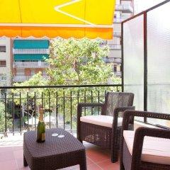 Отель Click&Flat Eixample Izquierdo Apartments Испания, Барселона - отзывы, цены и фото номеров - забронировать отель Click&Flat Eixample Izquierdo Apartments онлайн балкон