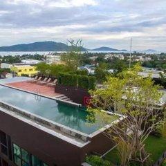 Отель Dlux Condominium Таиланд, Бухта Чалонг - отзывы, цены и фото номеров - забронировать отель Dlux Condominium онлайн балкон