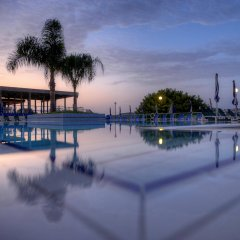 Mellieha Bay Hotel бассейн