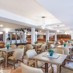 Hotel Na Taconera гостиничный бар