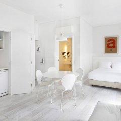 Апартаменты Hello Lisbon Castelo Apartments комната для гостей фото 5