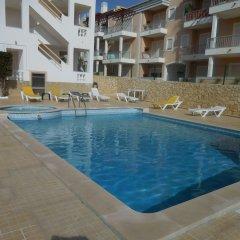 Отель Apartamentos Cabrita бассейн