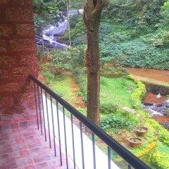 Отель Falling Waters балкон