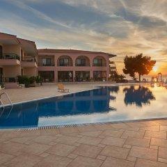 Toroni Blue Sea Hotel бассейн фото 2