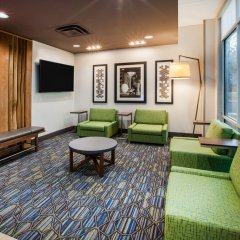 Holiday Inn Express Hotel & Suites Jasper комната для гостей фото 2