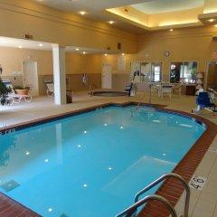 Отель Holiday Inn Effingham бассейн