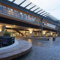 Отель easyHotel Amsterdam Arena Boulevard Нидерланды, Амстердам - 2 отзыва об отеле, цены и фото номеров - забронировать отель easyHotel Amsterdam Arena Boulevard онлайн приотельная территория фото 2