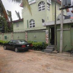 Отель Greenland Suites Нигерия, Лагос - отзывы, цены и фото номеров - забронировать отель Greenland Suites онлайн парковка