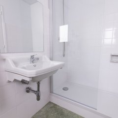 Отель azuLine Hotel S'Anfora & Fleming Испания, Сан-Антони-де-Портмань - отзывы, цены и фото номеров - забронировать отель azuLine Hotel S'Anfora & Fleming онлайн ванная фото 2