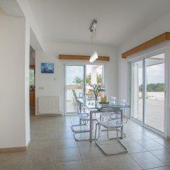 Отель Protaras Views Villa Кипр, Протарас - отзывы, цены и фото номеров - забронировать отель Protaras Views Villa онлайн в номере фото 2