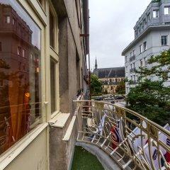 Отель Welcome ApartHostel Prague Чехия, Прага - 2 отзыва об отеле, цены и фото номеров - забронировать отель Welcome ApartHostel Prague онлайн балкон