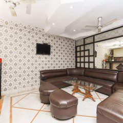 Отель OYO 16102 Le Heritage Индия, Нью-Дели - отзывы, цены и фото номеров - забронировать отель OYO 16102 Le Heritage онлайн гостиничный бар