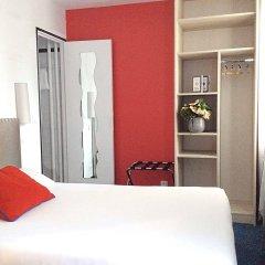Отель Mont Dore Париж сейф в номере